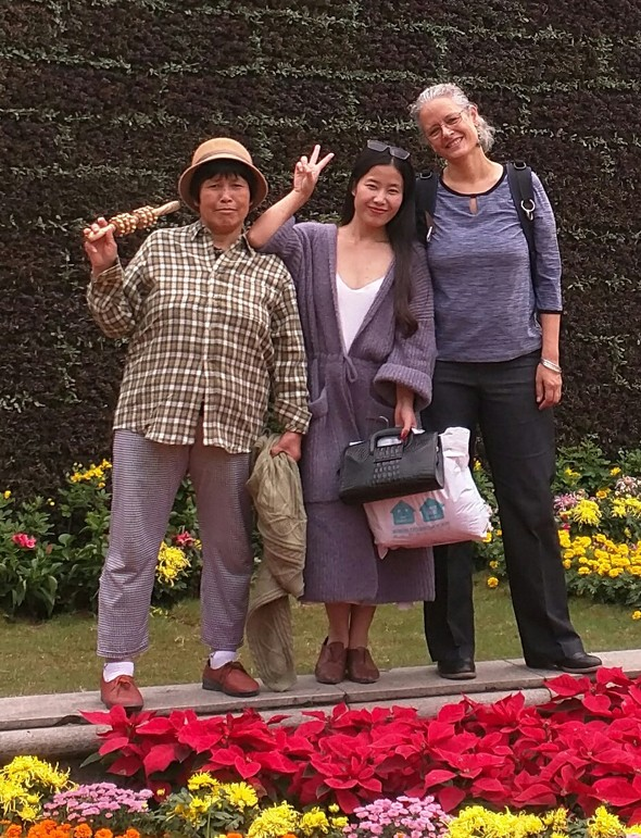 ILOVE the photo below, not only because of the endearing friends it shows, but also because it encapsulates my time warp experience of going back to China after 34 years have passed.What you're seeing is the old and the new China side by side, represented by (old style) Mom on the left, who is the same age as I am, and grew up in the old China I used to know...and modern style daughter, from the global China of new!